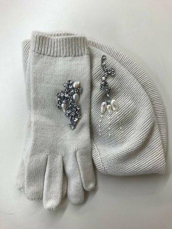 Cashmere with Swarovski crystals