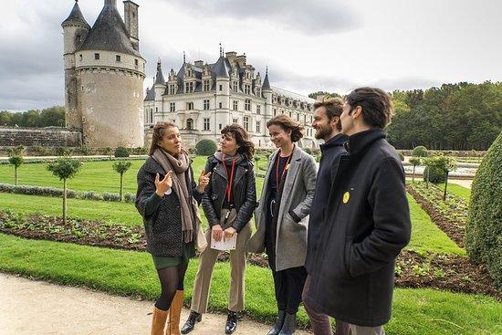Visite des châteaux de la Loire en petit groupe. Sortie à la journée...
