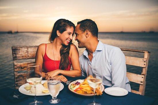 Crucero al atardecer de Aruba y cena...