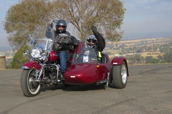 Tour di degustazione di vini per motociclette e sidecar