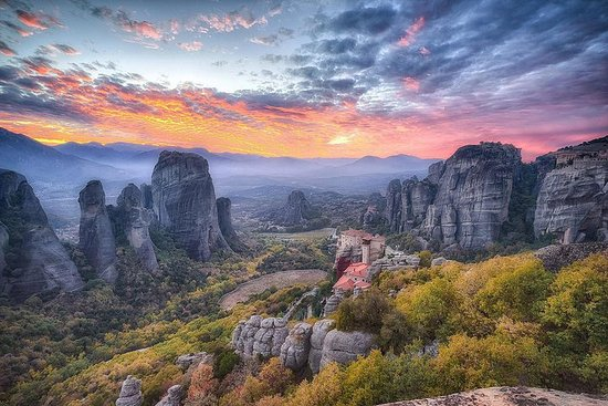 3Days Private tour Delphi, Arahova Hosios Loukas, Meteora, Thermopylae från Aten-bild