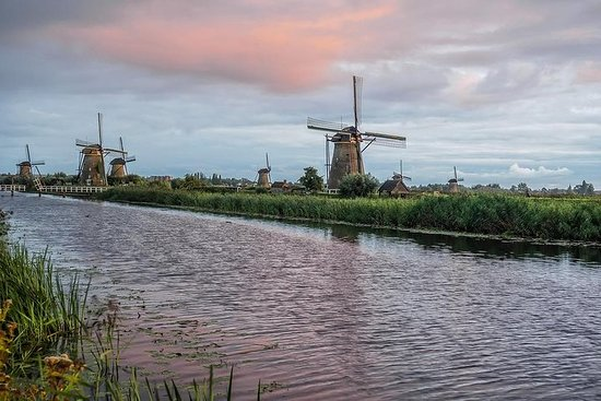 Discover the Dutch countryside...