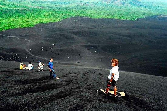 Planche à voile sur le volcan Cerro...