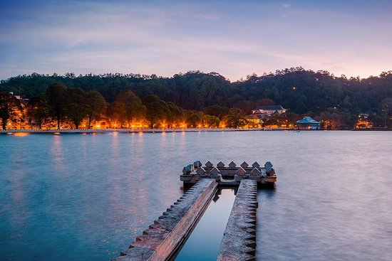 Фотография Kandy City Walk with a Local (Private 5-Hour Tour)