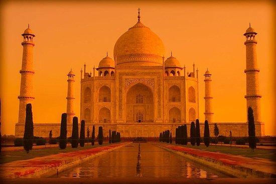 Lever et coucher du soleil du Taj Mahal...