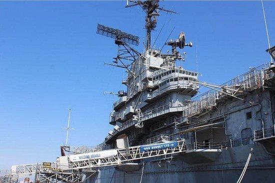 Hopp over linjen: USS Hornet Museum Admission Ticket