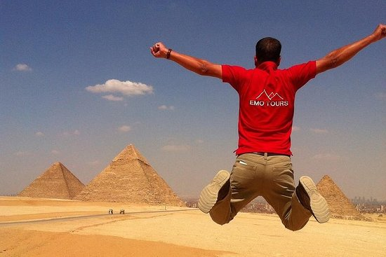 Private Full-Day Tour Visiting Giza...