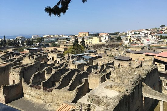 Herculaneum-Wine tasting tour with...