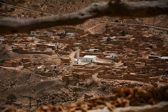 Ksar Ghilane 1 journée : La source d'eau chaude et la visite chez...