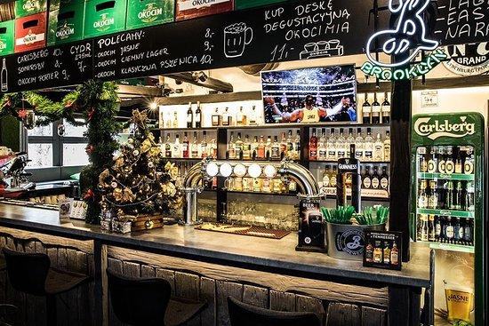 Sport Corner : Kochani Goście! Na nadchodzące Święta życzymy Wam spokoju, miłości i radości! I żeby Nowy nadchodzący Rok 2020 był rokiem wspaniałym i w każdym względzie lepszym od poprzedniego! No i do częstego zobaczenia na dobre... w Cornerze! W okresie świątecznym nasza restauracja będzie czynna: *Wigilia - 24.12, od 11:00 do 13:00 *Boże Narodzenie 25.12, od 11 do 23:00 *2 dzień świąt 26.12, od 10:00 do 23:00 *Sylwester 31.12, od 11:00 - 02:00 (1.01.2020) *Nowy Rok 1.01, od 11:00 do 23:00