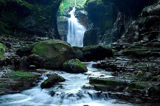 マニラからの隠れた谷ツアーを共有