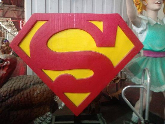 New Orleans Mardi Gras World Behind-the-Scenes Tour: Superman