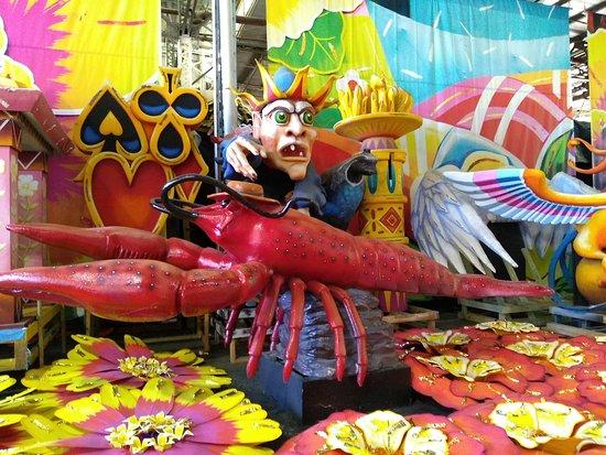 New Orleans Mardi Gras World Behind-the-Scenes Tour: Crawfish