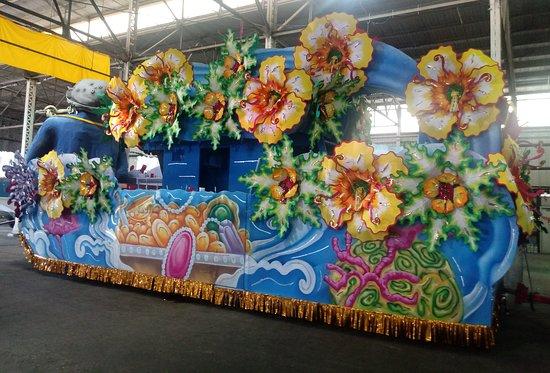 New Orleans Mardi Gras World Behind-the-Scenes Tour: Flower Float