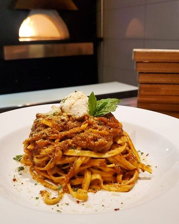 You asked for it and we listened! Back by popular demand, our famous freshly made Bolognese is available in our winter menu. Don't miss your chance to enjoy this delicious mouthwatering beauty only at SLATE!