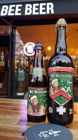 St. Bernardus got dressed for the holidays! The Trappist monk came prepared for Christmas with his dark creamy craft beer, & toasted fruity flavor. . [ Available both for 📍#BeeBeerChueca & NEW📍#BeeBeerDebod ] . // . ¡#StBernardus se vistió para las fiestas! El monje trapense vino preparado para navidad con su Cerveza Artesanal oscura, textura cremosa y su sabor tostado y frutal. . #Navidad #EnTripAdvisor #CervezasArtesanalesMadrid #christmas #TisTheSeason #BeeHappy #CraftBeerMadrid