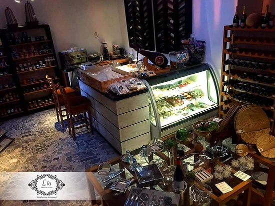 Lia Regalos & Gourmet