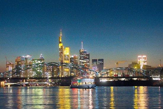 Frankfurt: Nächtliche Bootsfahrt auf...