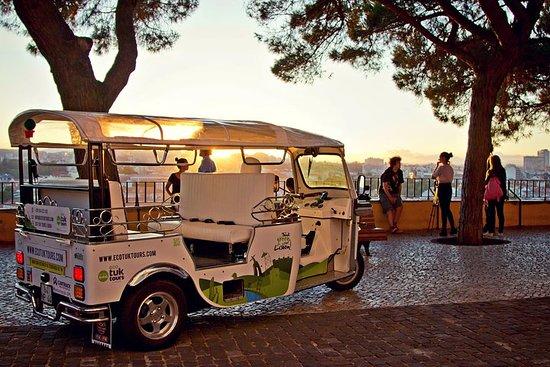 City Tour Tuk-Tuk privada de Lisboa...
