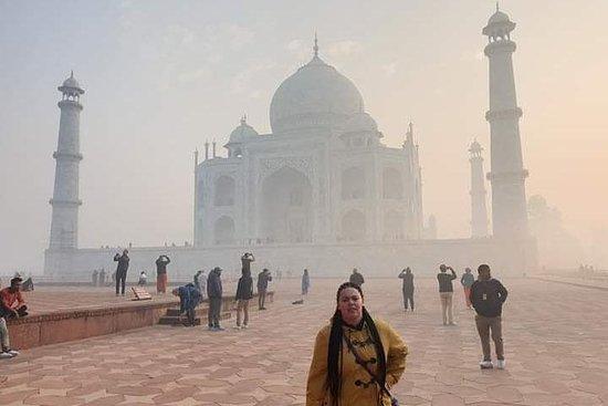 来自德里的Fatehpur Sikri私人泰姬陵日出和阿格拉堡一日游