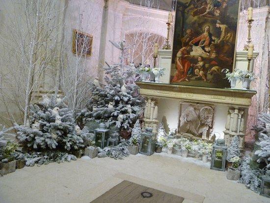 Skip the Line: Chenonceau Castle Admission Ticket: La chapelle, tout de blanc