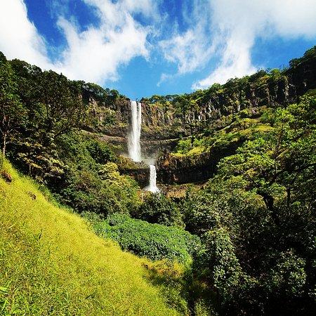 Bhambavli Vajrai Waterfall