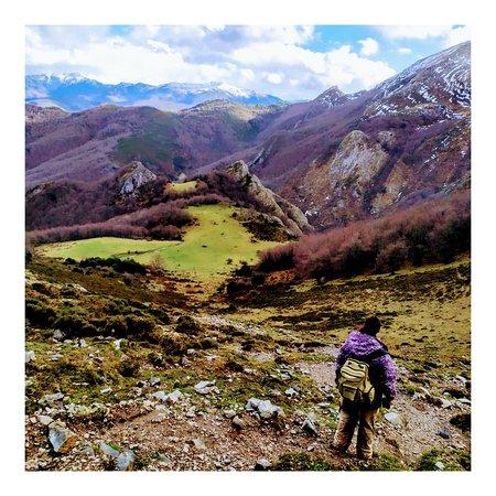 Cortes, España: Hiking in the mountains