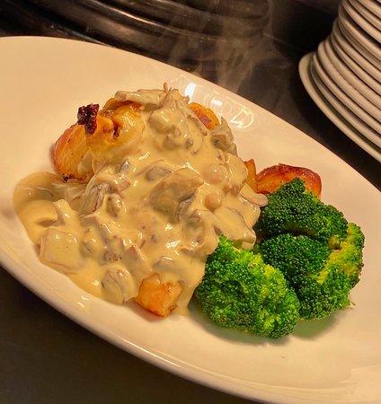 Our Roast Cornfed Chicken With Roasted potatoes, Steamed Broccoli & Mushroom sauce.