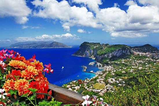 Small Group: Capri & Anacapri - Guided...