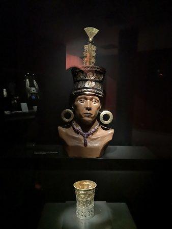 Ferrenafe, Perù: Ajuar hallado en la tumba.