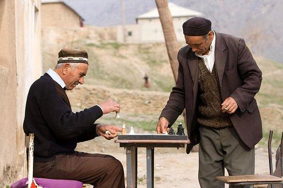 Wanderung zu den Dörfern Hayat, Uhum...