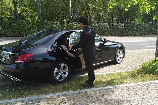 Transfer Airport With Luxury Car With Driver
