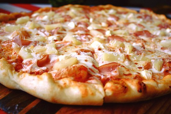The California. (Canadian Bacon, Pineapple, and chunks of Cream Cheese!)
