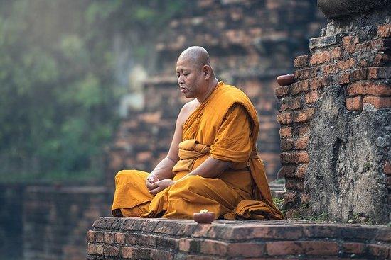 Visite bouddhiste de la naissance à la mort