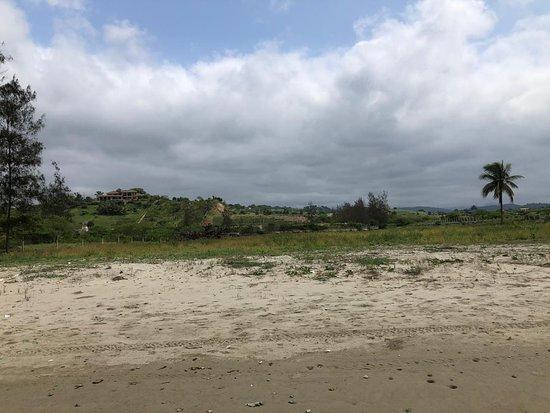 Olon, Ecuador: El mejor Terreno Ubicado en la playa de Olón 🧐 Área: 2080 metros cuadrados 💲 Valor: 280 dólares por metro cuadrado 📞 Fernando Castro 0990223094 💼 Bienes Raíces