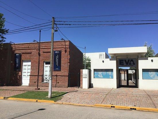 Los Toldos, Argentina: Birth home on left