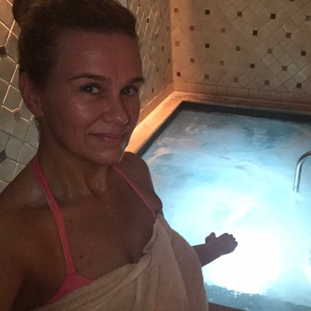 The Mokara Spa: Enjoying SPA time ... just in time for Christmas...