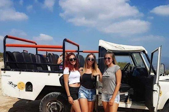 Machen Sie eine Jeep-Safari in der...