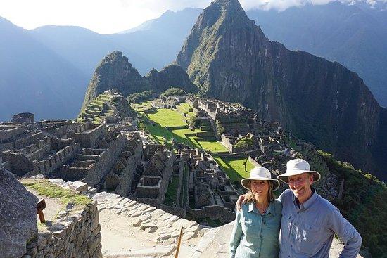Chemin Inca court jusqu'au Machu Picchu...
