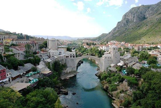 スプリスタまたはトロギールからのモスタルとメジュゴリエの日帰り旅行