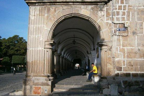 Antigua Guatemala medio día desde la...