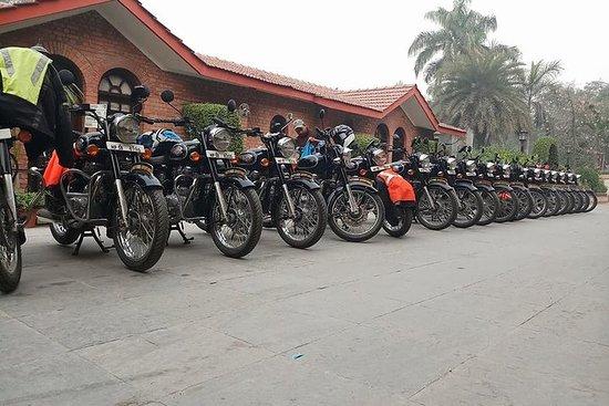 Excursión en moto por Bután