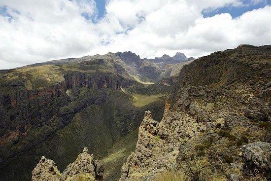 Mount Kenya 5 dagen beklimmen via ...