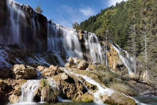 Private 3-Day Tour of Jiuzhaigou and Huanglong National Parks by...