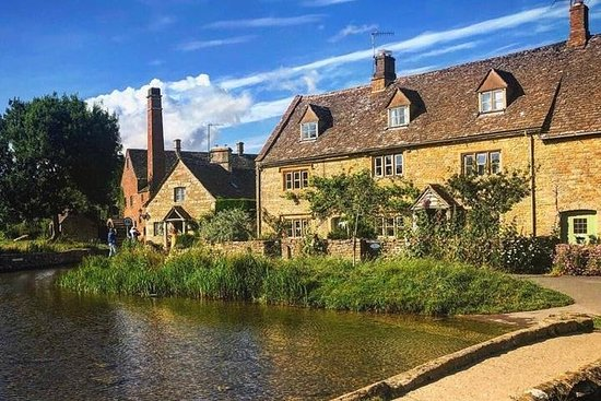EXCLUSIVE Cotswold tour for your group ONLY