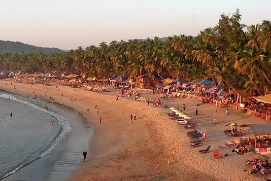 Beaches & Bollywood: Mumbai and Goa with Dudhsagar Waterfalls