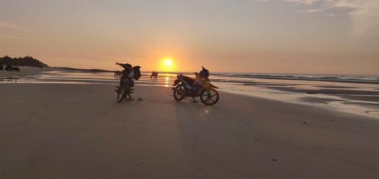 Thi tran Ho, Вьетнам: Sun Rise