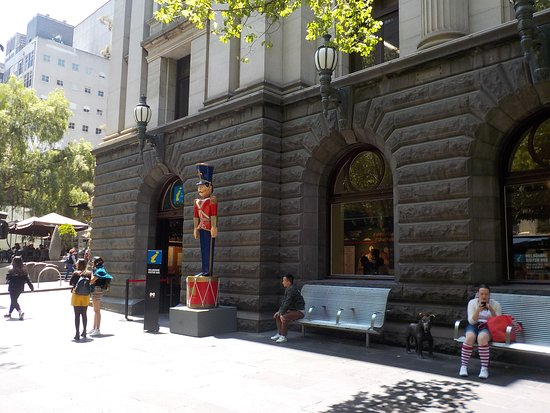 Melbourne Visitor Hub at Town Hall
