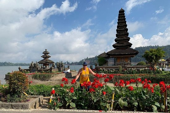 Excursão a Ulundanu Beratan, Tanah Lot...