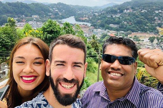 Visite de la ville de Kandy au départ de Colombo | 2 jours